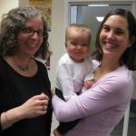 エリザベス(左)とボストンのファミリーのメンバー